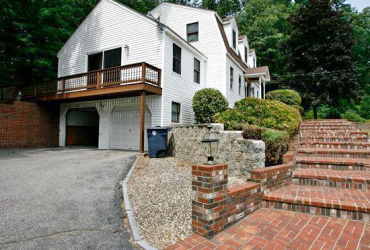 3 Bedroom Colonial For Rent